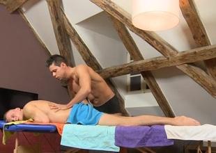 Leash masseur is delighting a bulky gay bear