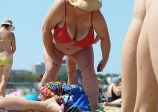 Russian BBW Mature Chubby Boobs overhead beach! Amateur!