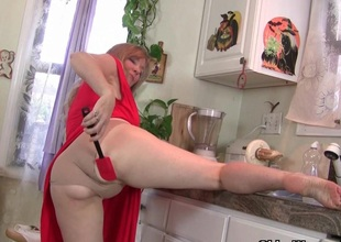 Alien kitchen princess to masturbation goddess