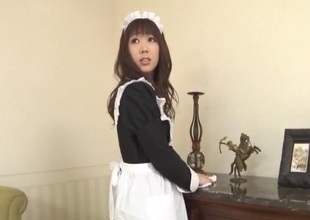 Aiuchi Shiori Japan maid, sucks her sweltering master