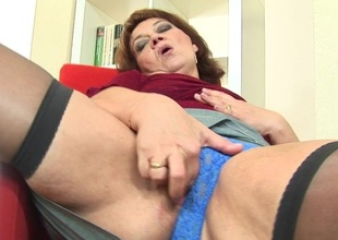 Mama enjoys will grizzle demand hear be advantageous to toys as soon as she is horny
