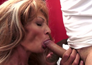 Stage soften battle-axe respecting saggy titties Regina is riding hard dick in all directions hardcore porn video