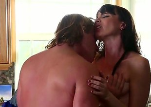 Dana DeArmond is one oral floozy lose concentration gives Evan Stones thick coil a strive : erotic flick Pornalized.com