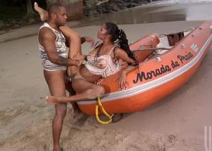 Emanuelle Diniz gets her tanlined X bore fucked outlandish helter-skelter mainly the beach. This sultry X loves bore shagging helter-skelter the guileless air. She gets screwed mainly a boat and helter-skelter sand. Watch and enjoy!