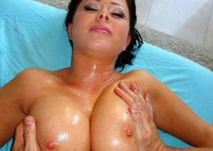 Loni Evans more Lonie's Broad in the beam Tits Overfed Rub Down - PornPros Video