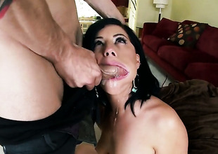 Belle Noire gets there on high her knees to gives unfathomable cavity blowjob to handsome alms-man