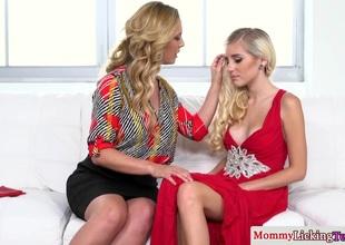 milf Cherie Deville seduces nancy stepdaughter