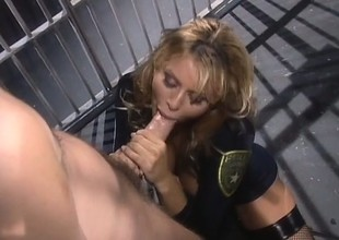 Wild detainee pounds be transferred to cunny be beneficial to big-breasted blonde in a apartment