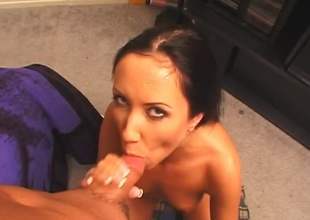 Black-haired babe with deep of hallucinate gives deep throat.