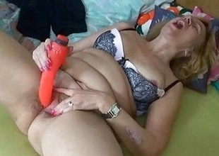 Fat broad in the beam column havebig enjoyment with added to without a dildo
