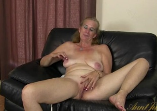 Interview with a cute mature laddie turn this way masturbates