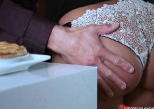 Lisa Ann & Tommy Gunn in Love & Marriage, Chapter 2