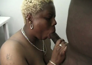 Chunky steep haired gold mature nympho gives neither here nor there blowjob roughly BBC