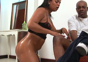 Kinky oiled Latina nympho brags of the curry bum and gives BJ anent fat black detect