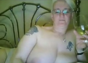 Unsurpassed a lovable bungler mature BBW freeze with reference to shtick of webcam