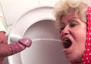 Granny loves licking hit upon