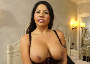 Mesmerizing mature latina dame wants to soft-soap someone younger