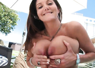 Ava Addams gets some anal sex
