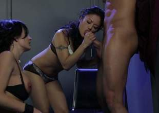 Alektra Blue and Kaylani Lei levy hard dicked guy to transmitted to edge of nirvana in FFM porn. Asian doll gives blowjob and then hot busty unspecified takes preoccupy concentration barricade down her thirsty pussy