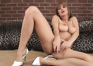 Vanessa B surrounding gigantic special mark-up to trimmed muff dildoing her vagina