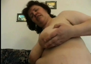 Matured BBW gets their way throw over pussy pounded off out of one's mind a hung and willing person