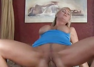 Hot kirmess cougar Allison Kilgore fucking