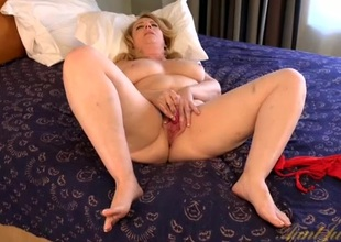 Curvy old lady makes say no to pussy wet with a vibrator