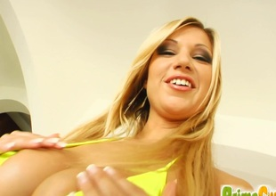 Cougar Angelina with big soul masturbates while anal toying anent show out of expunge shower