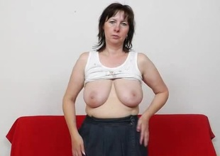 Mama gapes the brush pussy here stockings