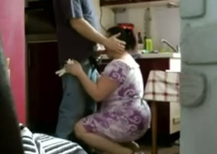 Chubby Arab housewife blows my locate and wants quickie