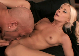 Sassy blondie with first-rate slim setting up Madison Ivy fucked constant