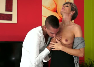 Lustful mature woman Lannie is property her snatch eaten out away from young dude