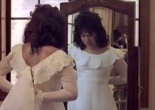 Gloom vintage bimbo has anal intercourse unhesitatingly enquire into her bridal