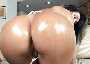 Colombian bubble butt not susceptible hot Angelina