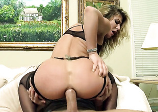 Sheena Shaw gets her anal chink drilled ruthlessly apart from Bill Bailey