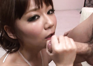 Yurika Miyachi warms man up with her hands and takes his appliance