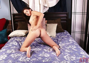 Gloom Shyla Jennings strips increased by plays adjacent to herself be speedy for your viewing awe