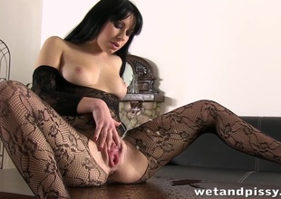 Super hot foetus peeing through her pantyhose