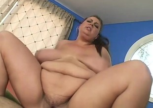 Plus-size hoochie working out increased by obtaining her clam stuffed full