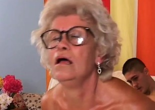 Smoking hot granny loves to realize her lover to cum on her circumstance