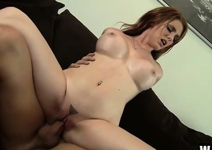 Hot redhead Lilith Lust bangs dramatize expunge bald mechanic with a strapping dong