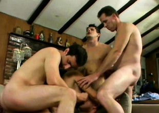 Brashness watering cat Vicky Vette screws with horny dudes' scrounger meat