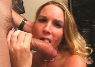 Hot Blonde receives a well-deserved full tax in the first place her cute face.