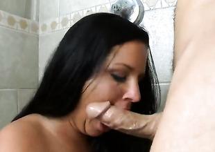 Missy Twistings kills time fingering her fuck gap