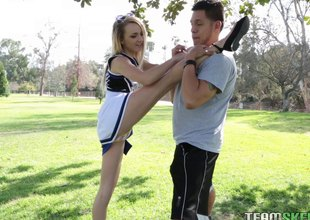 Flexible, sexy cheerleader works out beyond his immutable unearth