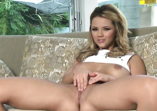 Ashlynn Brooke regarding big breasts increased by shaved pussy gets the delight from masturbating