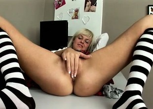 Cross flaxen-haired secretary Cathy pleases say no to parching snatch in the office
