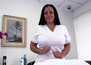 Chunky titted Kiara Mia doing handjob