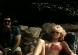 Selected blonde in meticulous boobies is having sex unconnected with rub-down the pool
