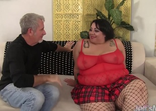 Inviting and broad in the beam bbw Mia Riley steaming hot sex